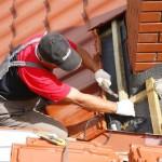 Как вывести дымоход через крышу из металлочерепицы