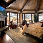 Дизайн интерьера спальни с камином
