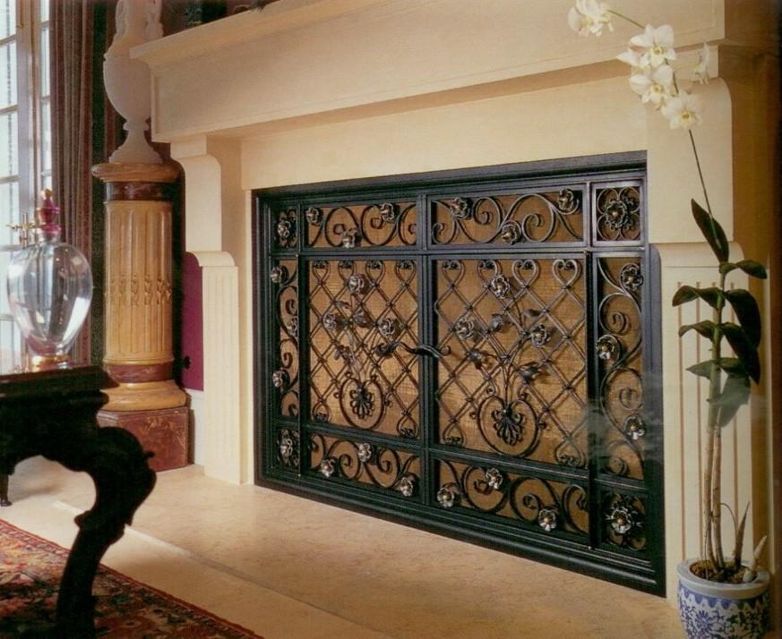 Выбор кованой решетки для камина, фото решеток из проволоки