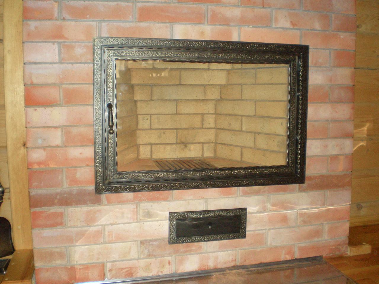 Экран из стекла для камина своими руками