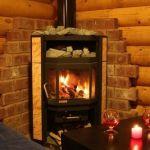 Какой камин выбрать для деревянного дома: основные виды конструкций